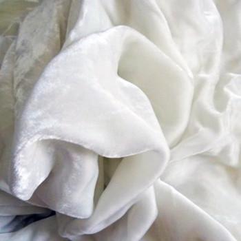 Velours de soie blanc