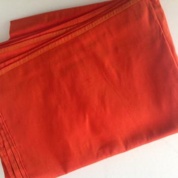 00181 Etole en soie sauvage orange épicé disponible immédiatement