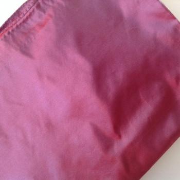 Etole en taffetas de soie violet moiré disponible immédiatement