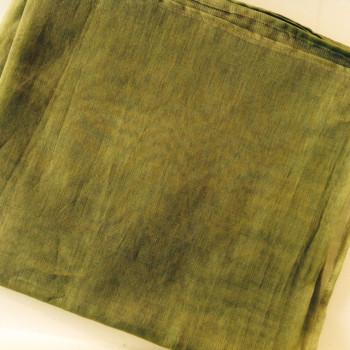 0033 Etole en organza de soie vert olive disponible immédiatement