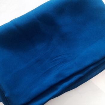 00261 Etole en crêpe de soie bleu roi disponible immédiatement