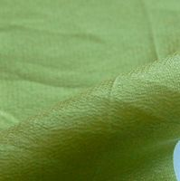 82 crêpe de soie vert mousse