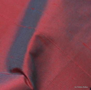 soie sauvage 057 rouge reflets bleutés